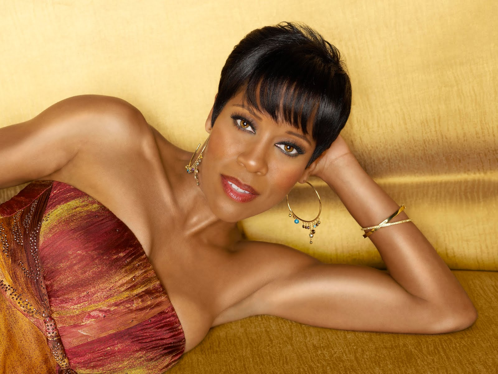 On the Couch with Regina King- Celeb Hair