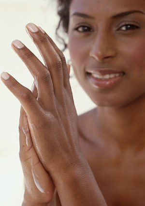 Brittle Nails? Make Them Stronger Naturally!