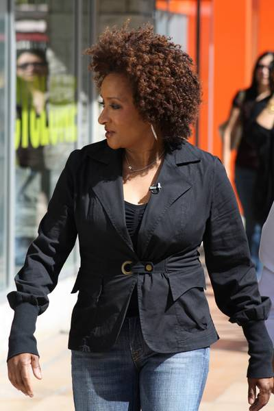 On the Couch with Wanda Sykes- Curly Celeb