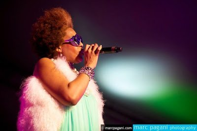 Exclusive- Macy Gray on her Natural Hair