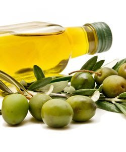 Using Olive Oil for Natural Hair Health