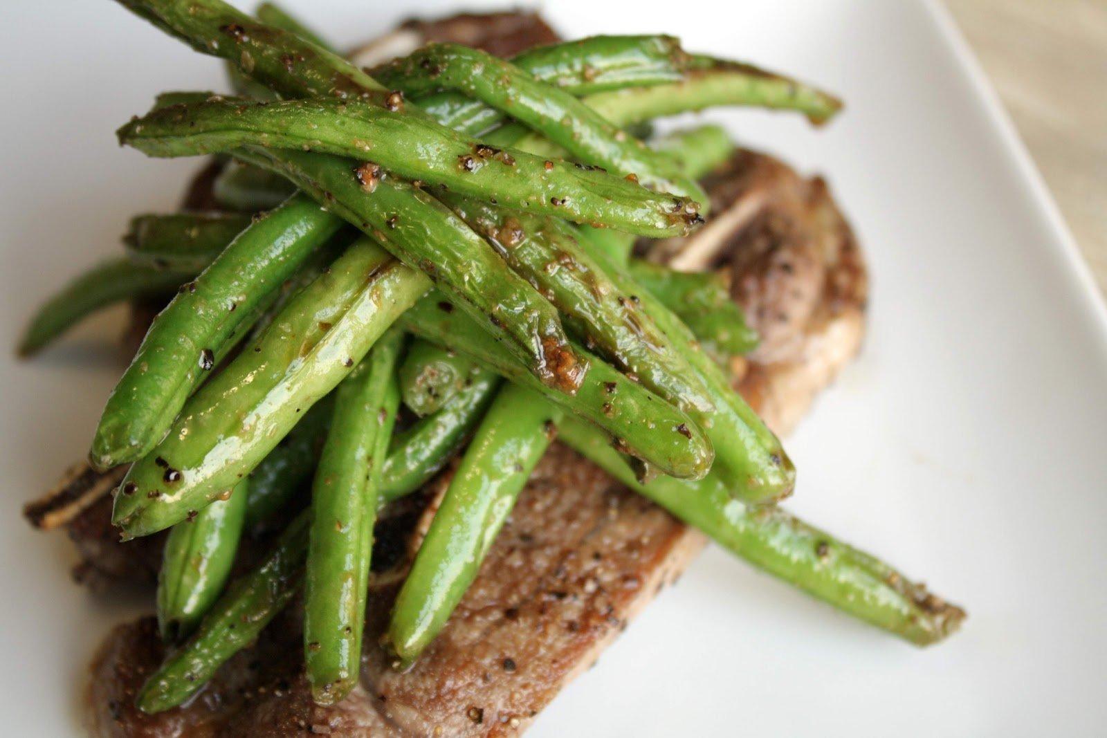 Let's Cook!- Sautéed Lamb Chops w/ Green Beans