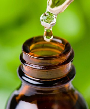 Should You Be Using Tea Tree Oil for Your Natural Hair?