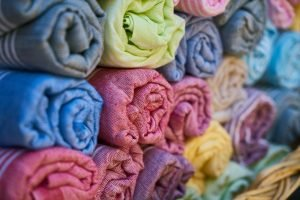 Benefits of microfiber towels for curly hair