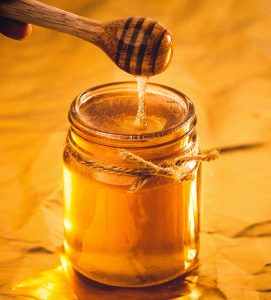 homemade conditioner for frizzy hair honey