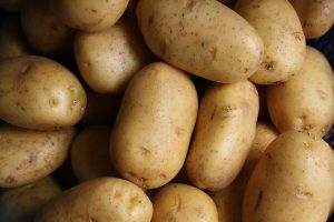 what is the best source of vitamin C potatoes